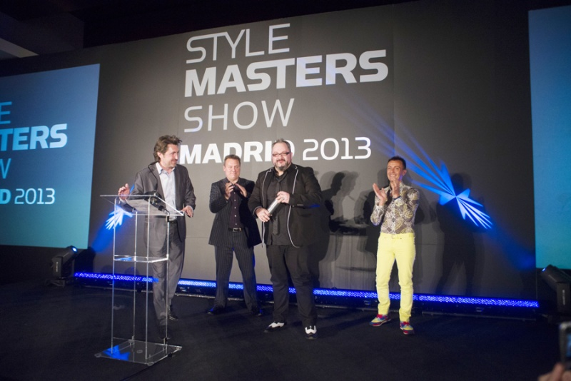 ANTONIO CALVO RECIBE EN MADRID SU TROFEO COUNTRY WINNER ESPAÑOL DEL STYLE MASTER 2013 INTERNATIONAL CONTEST
